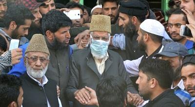 Srinagar: Senior hardline separatist leader Syed Ali Geelani offers congregational Friday prayers after eight years at Jamia Masjid in Hyderpora, Srinagar on March 30, 2018. Also seen Hurriyat Chairman Mohammad Ashraf Sehrai. (Photo: IANS)