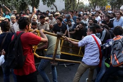 JNU march turns violent as students, teachers clash with police