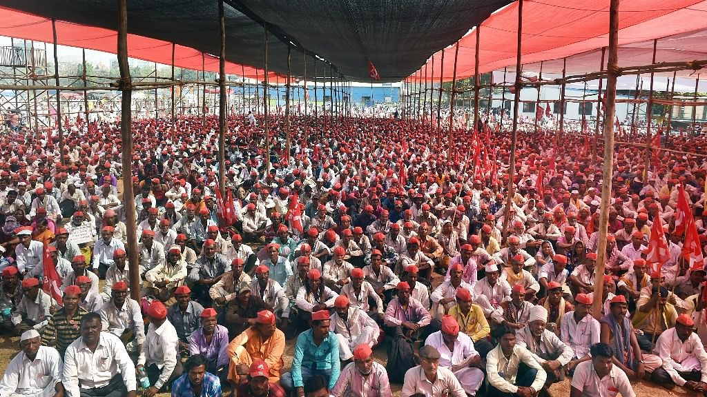 Farmers Call Off Protest as Maha Govt Vows to Meet Land Demands