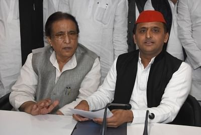 Lucknow: Samajwadi Party leaders Akhilesh Yadav and Azam Khan during a press conference in Lucknow on March 14, 2018. (Photo: IANS)
