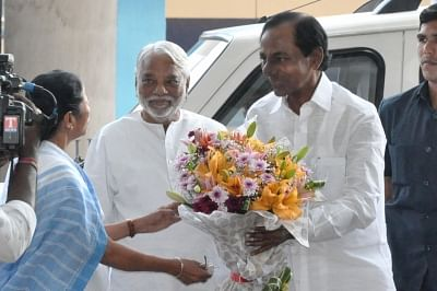 KCR, Mamata pitch for Federal Front