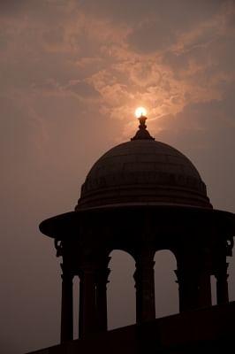 New Delhi: Sunrise as seen from Rajpath in New Delhi. Clear day ahead in Delhi. (File Photo: Sandeep Datta/IANS)