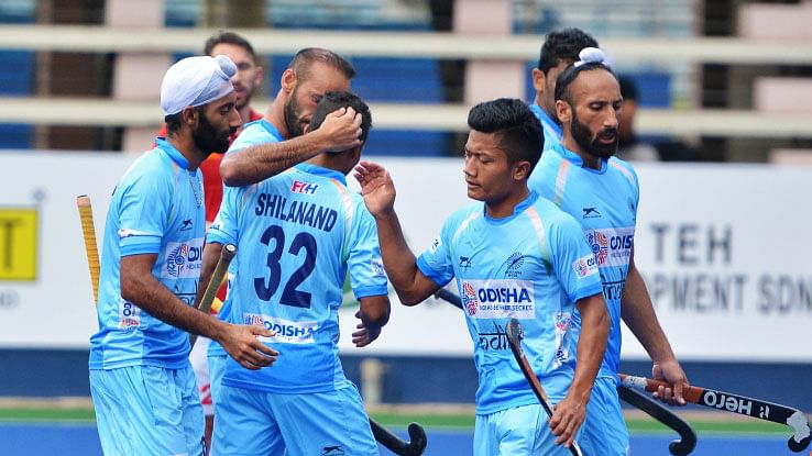 Sardar Singh (extreme right)feels that at least core players should be given guarantee of their places without putting pressure after a bad outing.