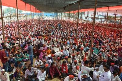 Farmers' Long March: Sharad Pawar, Anna Hazare flay BJP