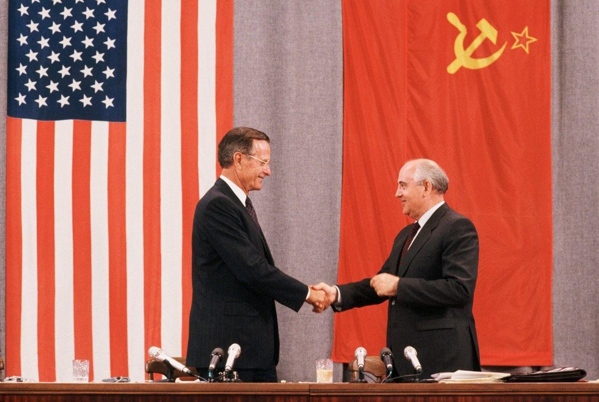 Former US president HW Bush and Mikhail Gorbachev.