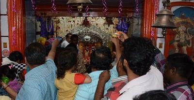 Lucknow: Devotees throng the Badi Kali Mandir on the first day of Navratri. (File Photo: IANS)