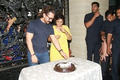 Mumbai: Actor Aamir Khan celebrates his birthday with his wife Kiran Rao in Mumbai, on March 14, 2018. (Photo: IANS)