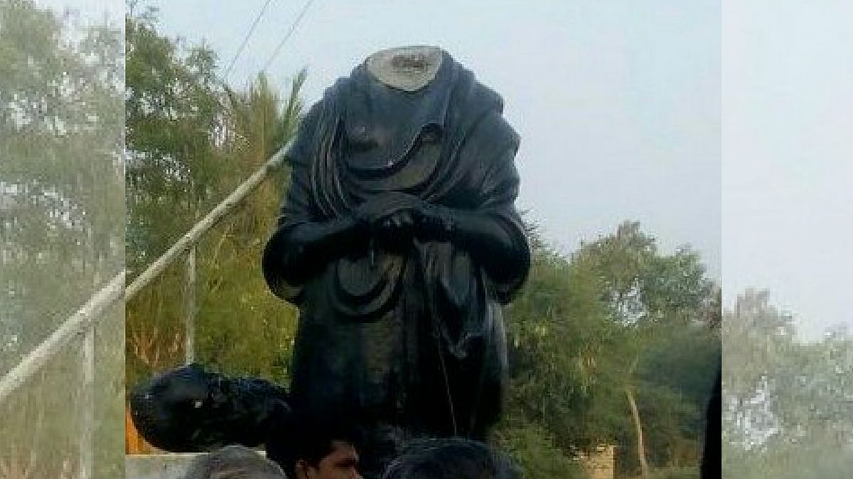 A statue of Dravidian ideologue 'Periyar' EV Ramasamy was beheaded in Pudukkottai district in Tamil Nadu on Tuesday, 20 March.
