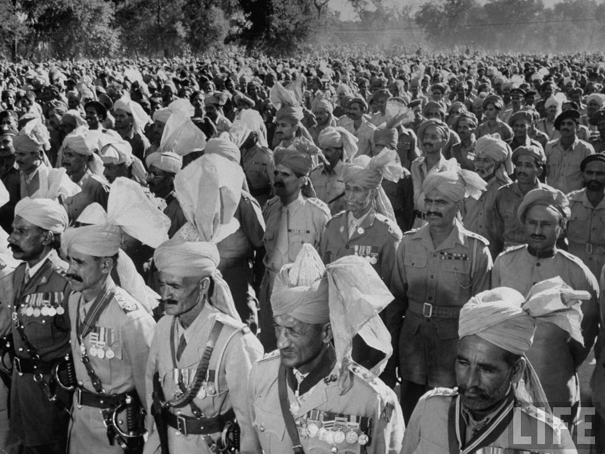Tribesmen and Soldiers of Pakistan in December 1947.
