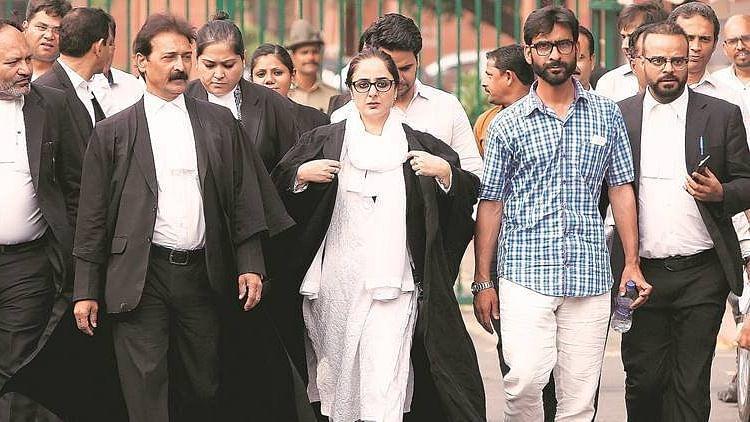 Deepika Singh Rajawat's Boss-Lady Pic Stirs Twitter Debate