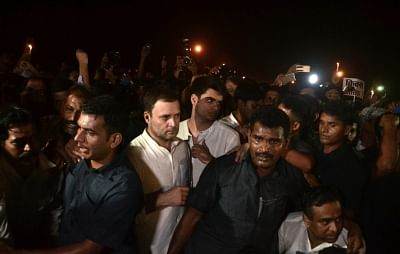New Delhi: Congress workers participate in a candlelight vigil called by party president Rahul Gandhi to protest against incidents of rape in Unnao (Uttar Pradesh) and Kathua (Jammu and Kashmir) at India Gate in New Delhi on April 12, 2018. (Photo: Bidesh Manna/IANS)
