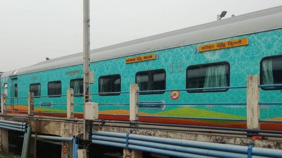 PM Modi Flags off Champaran Humsafar Express Train in Motihari