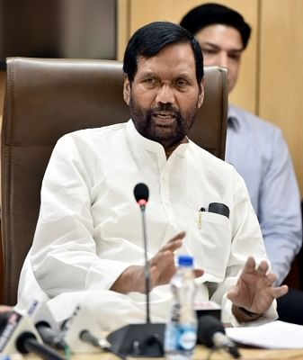 New Delhi: Union Minister for Consumer Affairs, Food and Public Distribution Ram Vilas Paswan briefs the Media on the issues related to his Ministry, in New Delhi on April 23, 2018. (Photo: IANS/PIB)