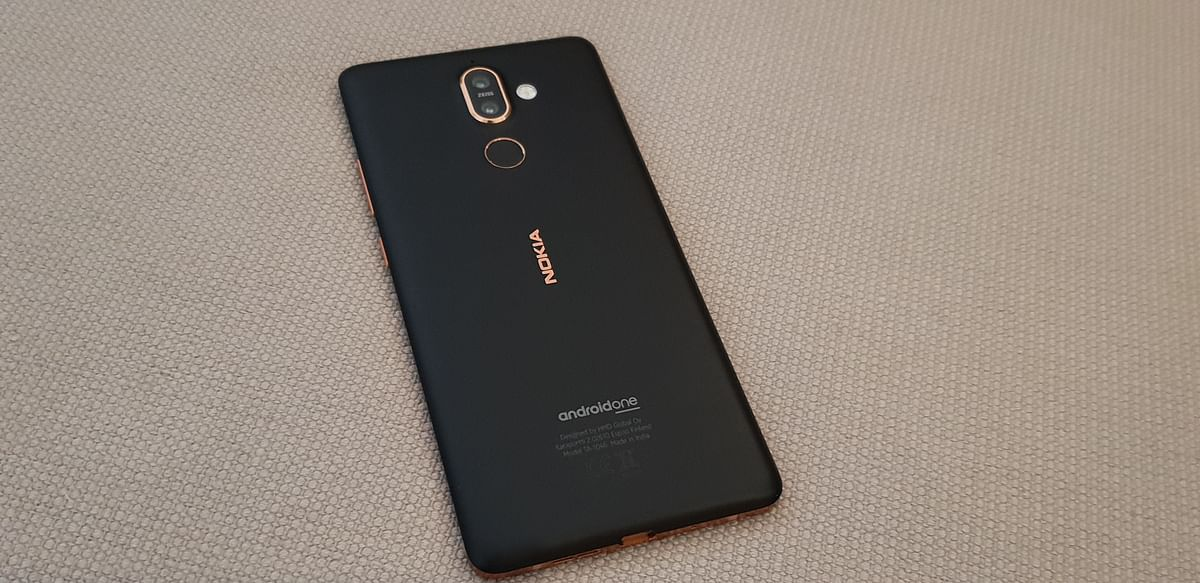 Nokia 7 Plus gets a rugged finish which is neither glossy nor prone to scratches.