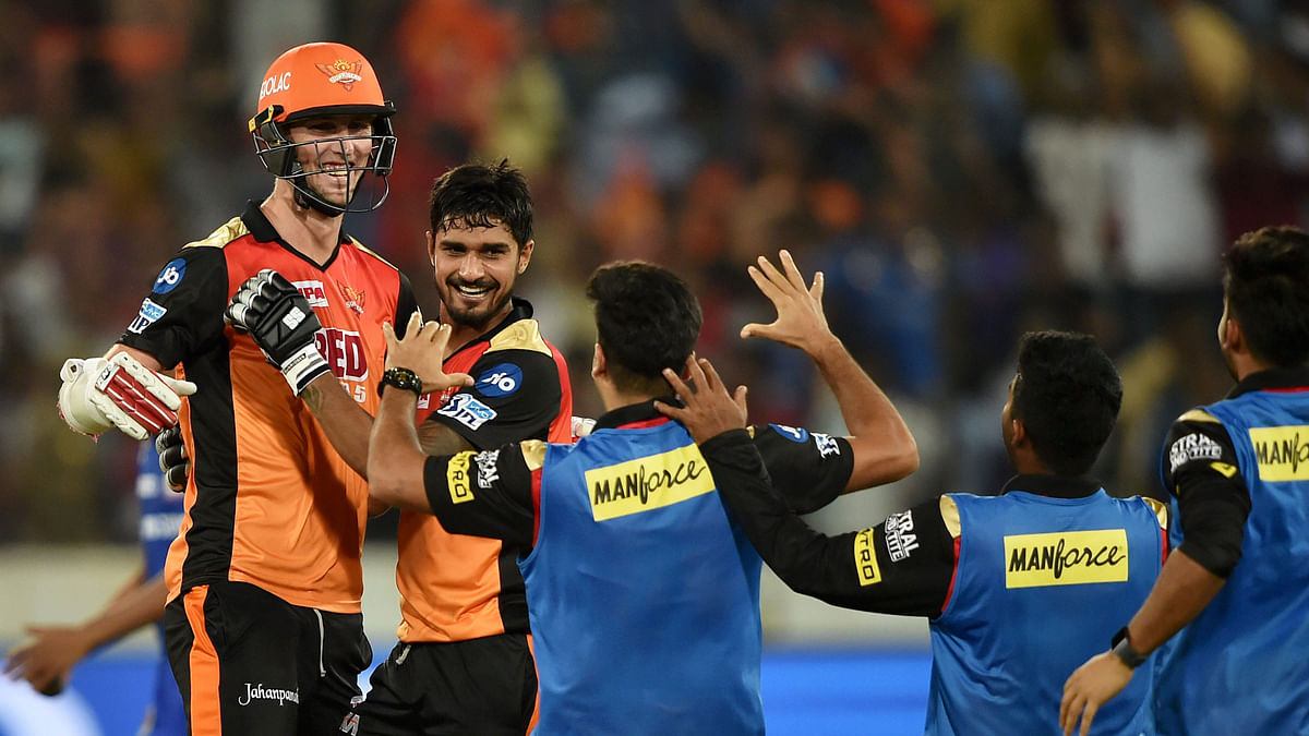 Stanlake's Last-Ball 4 Helps Sunrisers Defeat Mumbai in a Thriller