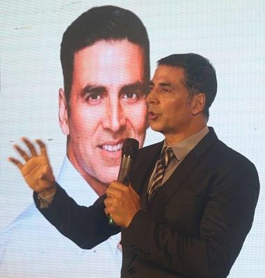 Mumbai: Actor and brand ambassador of New India Conclave Akshay Kumar unveils the nationwide movement of New India Conclave in Mumbai on April 01, 2018. (Photo: IANS)