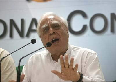 New Delhi: Congress leader Kapil Sibal addressing a press conference on CJI impeachment case in New Delhi on May 8, 2018. (Photo: IANS)