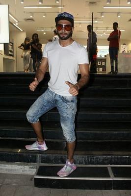 Mumbai: Actor Ranveer Singh seen at a Maple store in Bandra, Mumbai on May 19, 2018. (Photo: IANS)