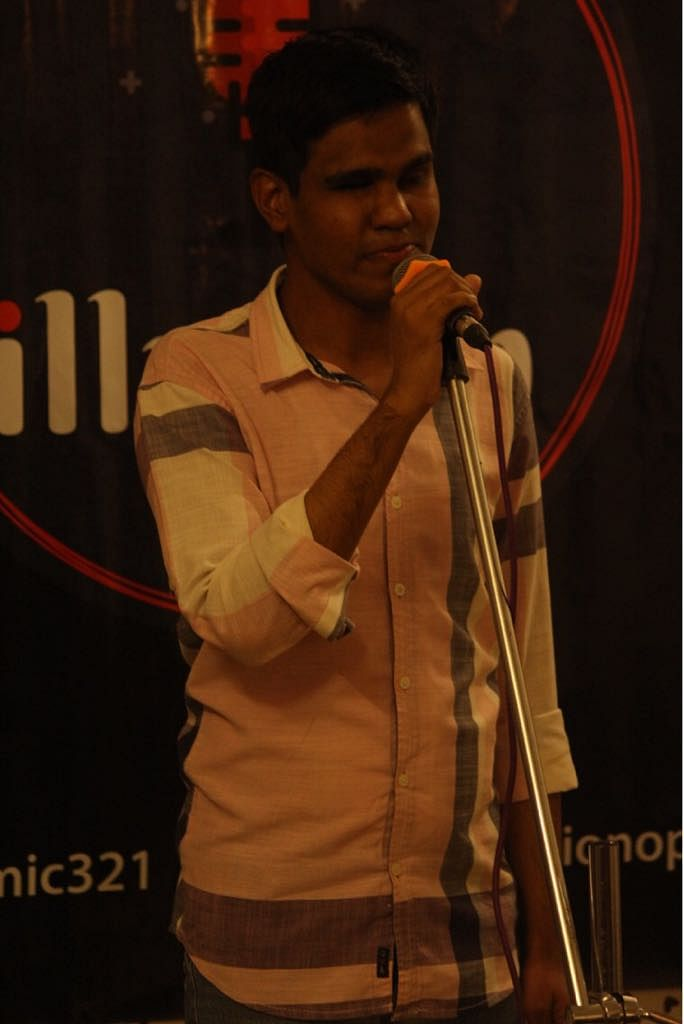 """""""Talha Ansari (pictured above) regales the audience with his shayaris, performed in Hindi, Urdu and Marathi,"""" says Rohit."""