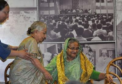 Kolkata: Bangladesh Prime Minister Sheikh Hasina with Netaji Subhas Chandra Bose