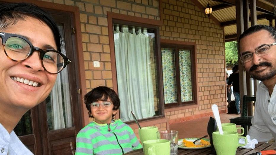 Aamir Khan & fam celebrate Mansoor Khan's 60th birthday in Coonoor. (Photo courtesy: Twitter)