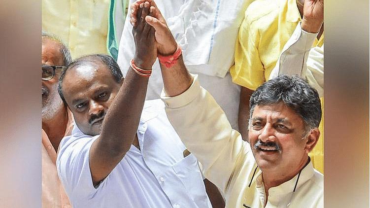Coalition leaders DK Shivakumar and HD Kumaraswamy in the Karnataka Assembly.
