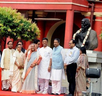 Kolkata: Bangladesh Prime Minister Sheikh Hasina during her visit to Rabindra Bharati University at Jorasanko in Kolkata, on May 25, 2018. (Photo: IANS)