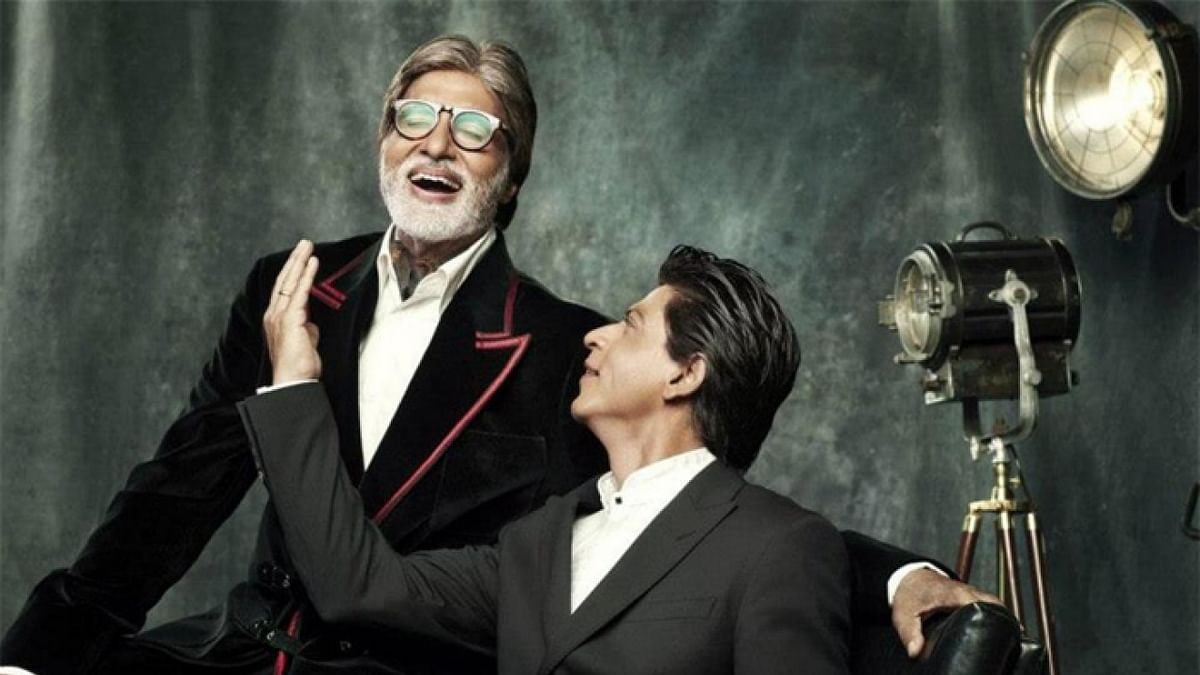 Amitabh Bachchan and SRK shower praises on each other on Twitter.
