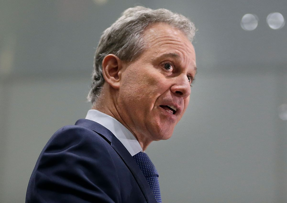 New York AG Resigns After Physical Abuse Allegations by 4 Women