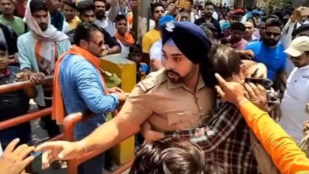 Sub-Inspector Gagandeep protected a Muslim boy against an angry mob.