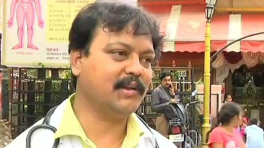 Dr. Abhijit Sonawane treats beggars for free