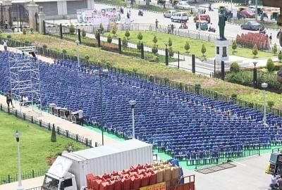 Bengaluru: Preparations underway ahead of the the swearing in ceremony of Karnataka Chief Minister H.D. Kumaraswamy, at Vidhana Soudha in Bengaluru on May 22, 2018. (Photo: IANS)