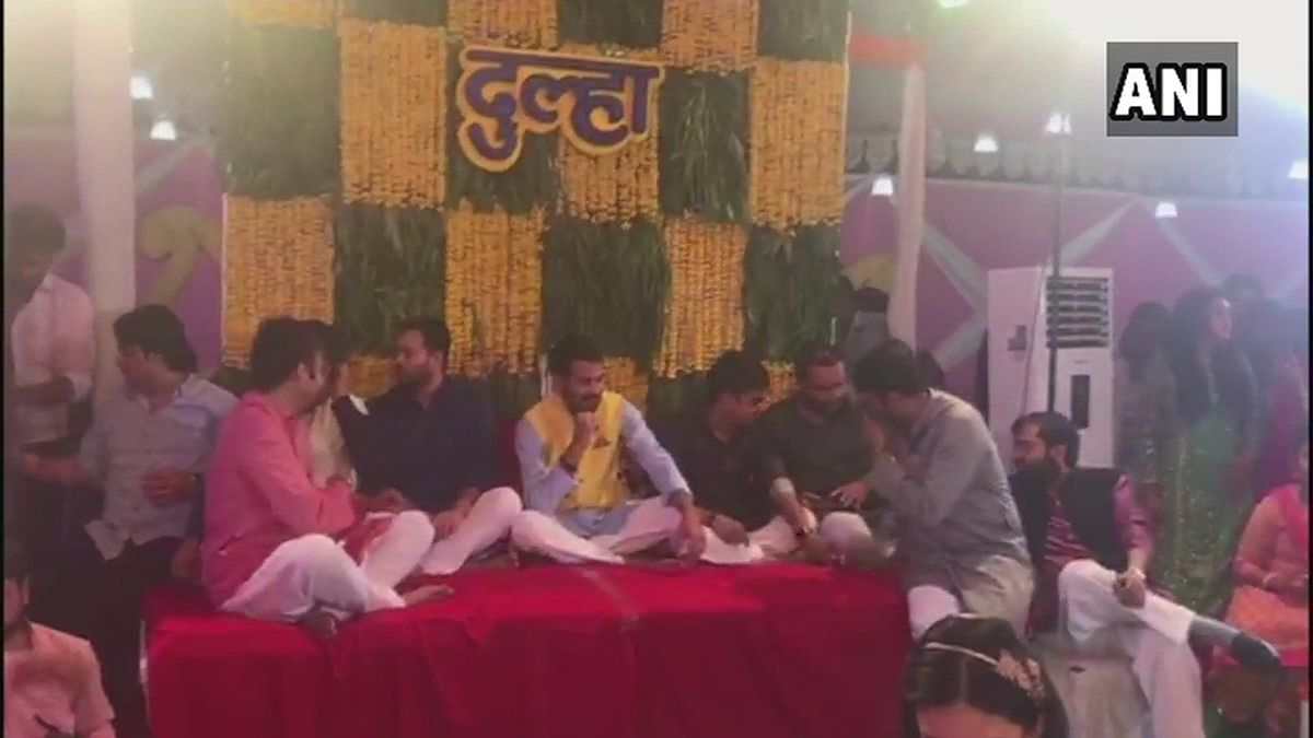 Lalu Prasad Yadav's son Tej Pratap Yadav's mehendi ceremony was held in Patna on Wednesday, 9 May.