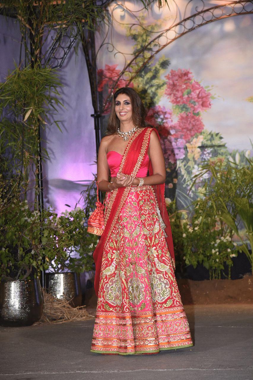 Shweta Bachchan-Nanda looked ravishing in red