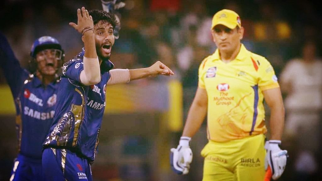 Mayank Markande appeals for the wicket of MS Dhoni.