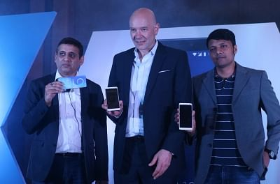 New Delhi: Alcatel Global Marketing Management Centre General Manager Stefan Street, Alcatel Regional Director Praveen Valecha and Flipkart senior Director (Retail) Hari Kumar G at the launch of Alcatel 3V Phablet, in New Delhi on May 29, 2018. (Photo: IANS)