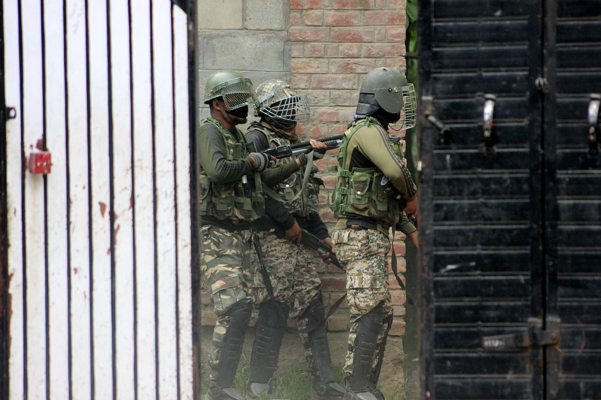 Security forces during the Shopian encounter.