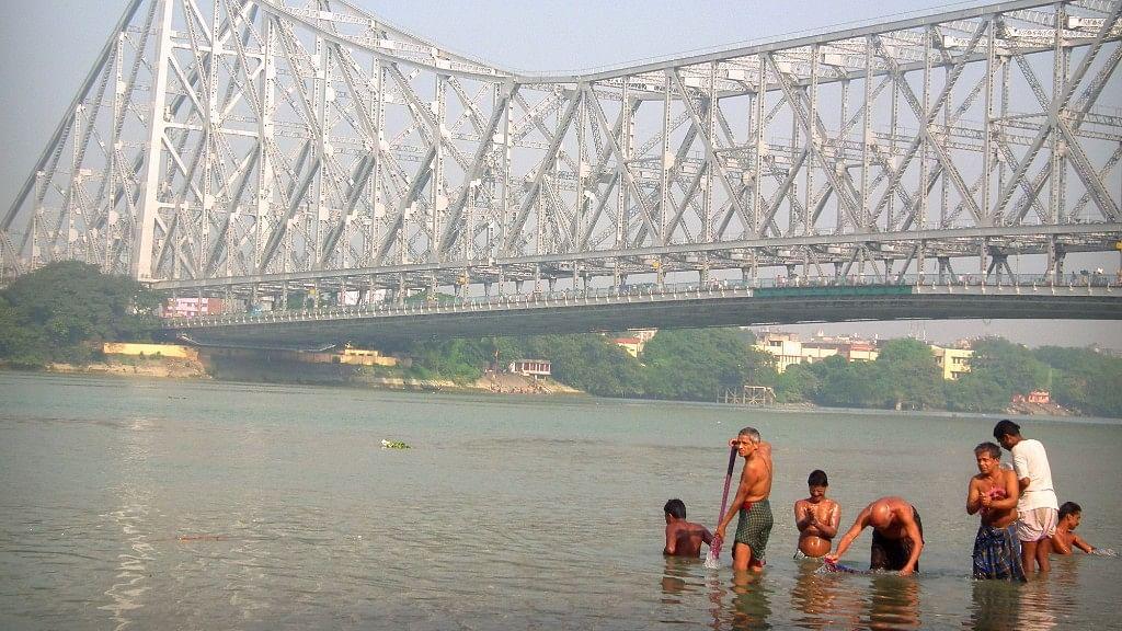 The iconic Howrah Bridge in Kolkata.