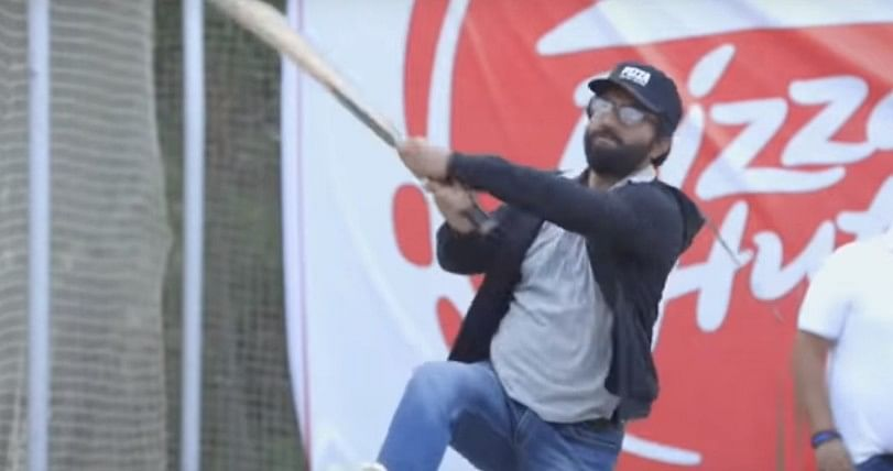 Fans saw a vintage Sourav Ganguly in the guise of a Pizza Hut delivery person.