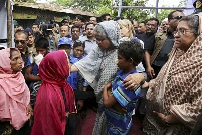 Chittagong: Bangladesh Prime Minister Sheikh Hasina visits Kutupalong Rohingya refugee camp in Cox