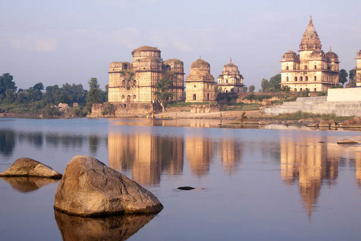 Some of the must visit attractions of Orchha include the Wildlife Sanctuary, Hindu temples and ancient forts.