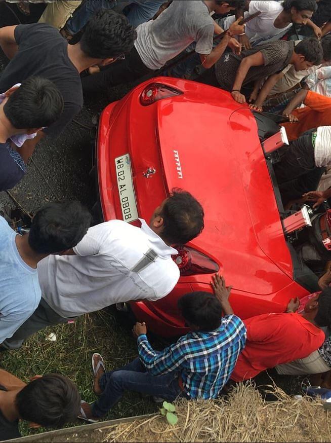 1 Killed, Another Hurt as Sports Car Turns Turtle Near Kolkata
