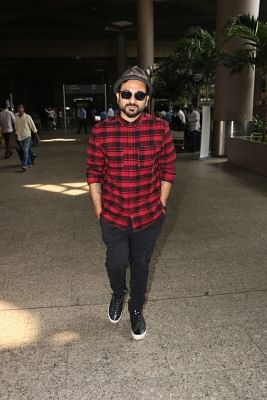 Mumbai, June 10 (IANS) Comedian-actor Vir Das, who is known for speaking his mind without mincing words, believes that Indian film or TV content should have an advance apology from artistes before showing the footage or scenes.
