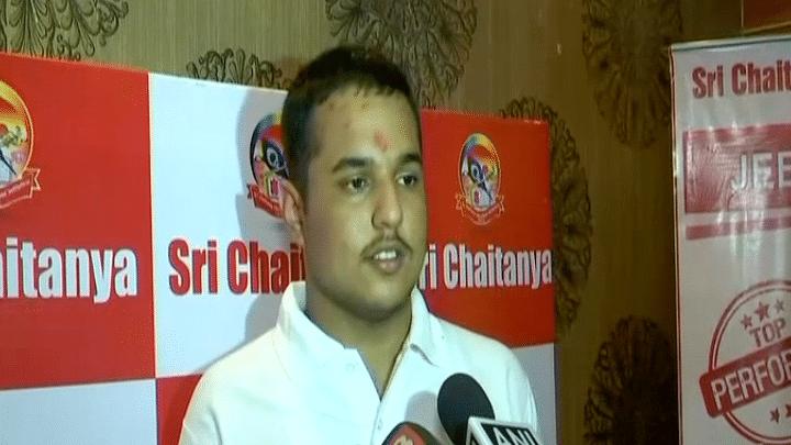 Panchkula Boy Pranav Goyal Tops IIT JEE Advanced With 337/360