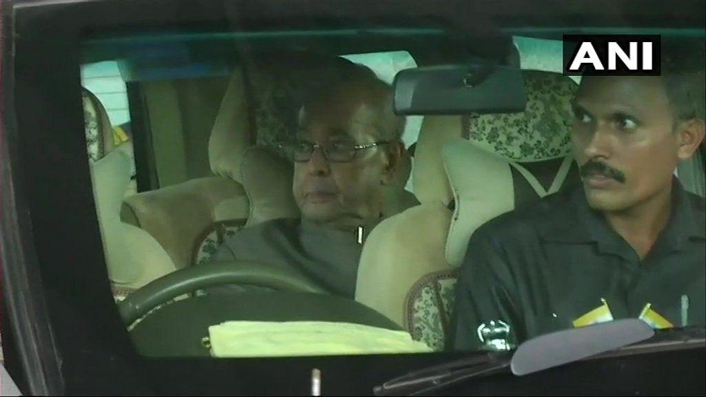 Pranab Mukherjee arrives in Nagpur