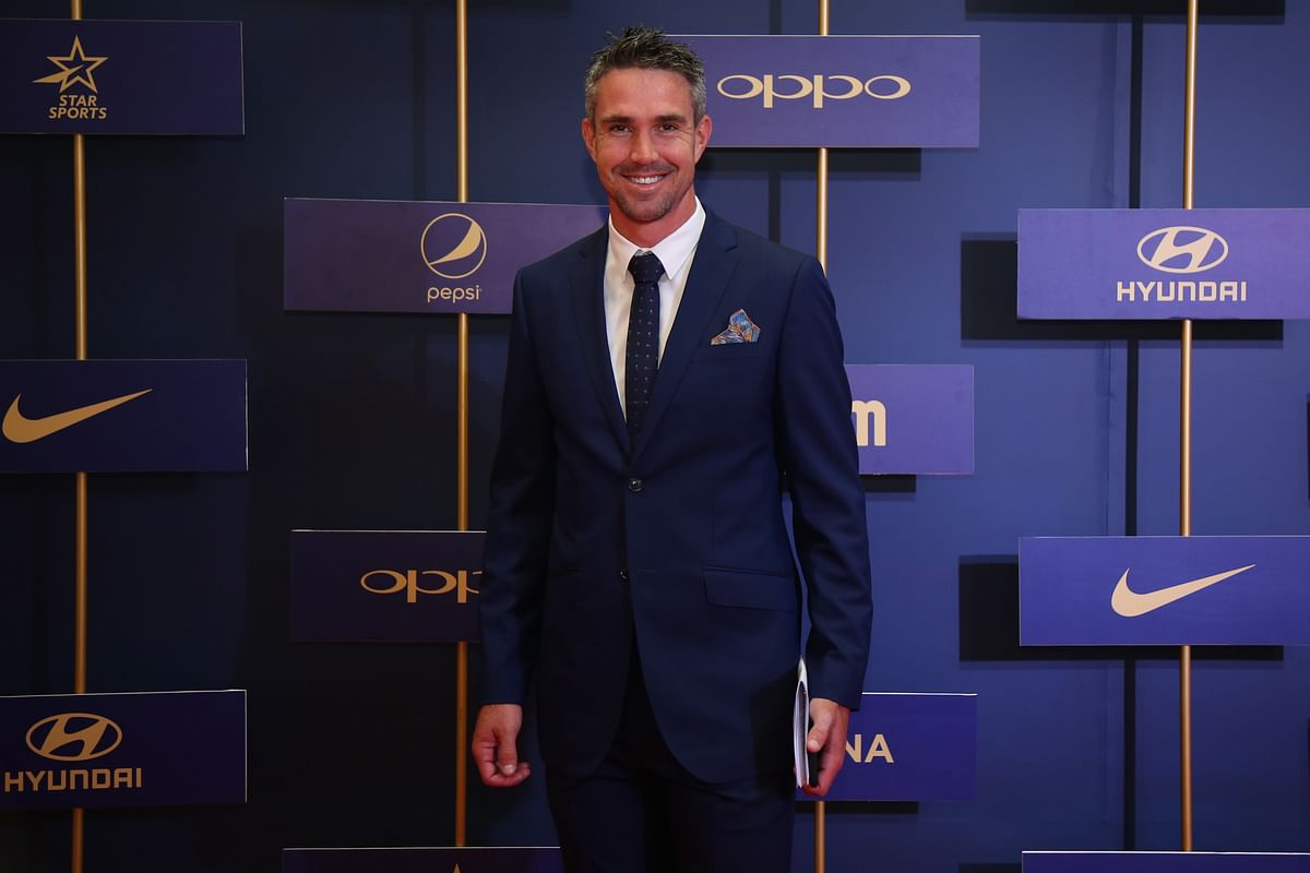 Kevin Pietersen gets ready to deliver the sixth MAK Pataudi  speech.
