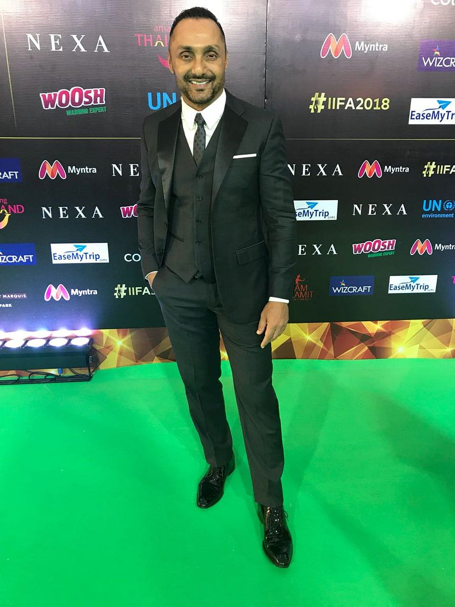 Rahul Bose dons a three piece suit for IIFA 2018