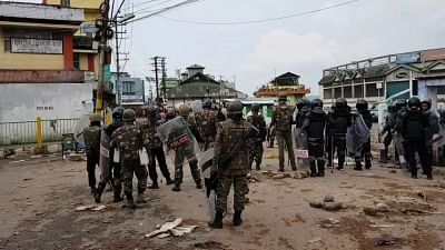 Shillong: Security beefed up in violence-hit areas of Shillong where curfew was relaxed for seven hours on June 3, 2018. An indefinite curfew was imposed in areas under Lumdiengjri Police Station and Cantonment Beat House on Friday. The clash erupted after a skirmish between some women and a driver of Shillong Public Transport Service bus at Them Meteor, which led to an assault of three persons on Thursday. The violence continued even after the parties involved in the skirmish reached a compromi