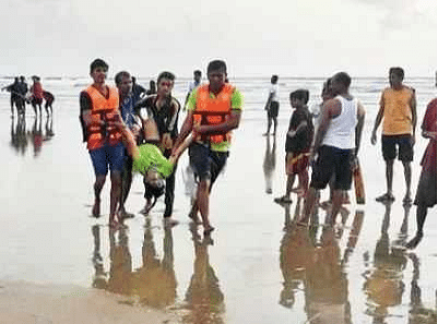 5 people drowned at the Arey Ware beach on Sunday.