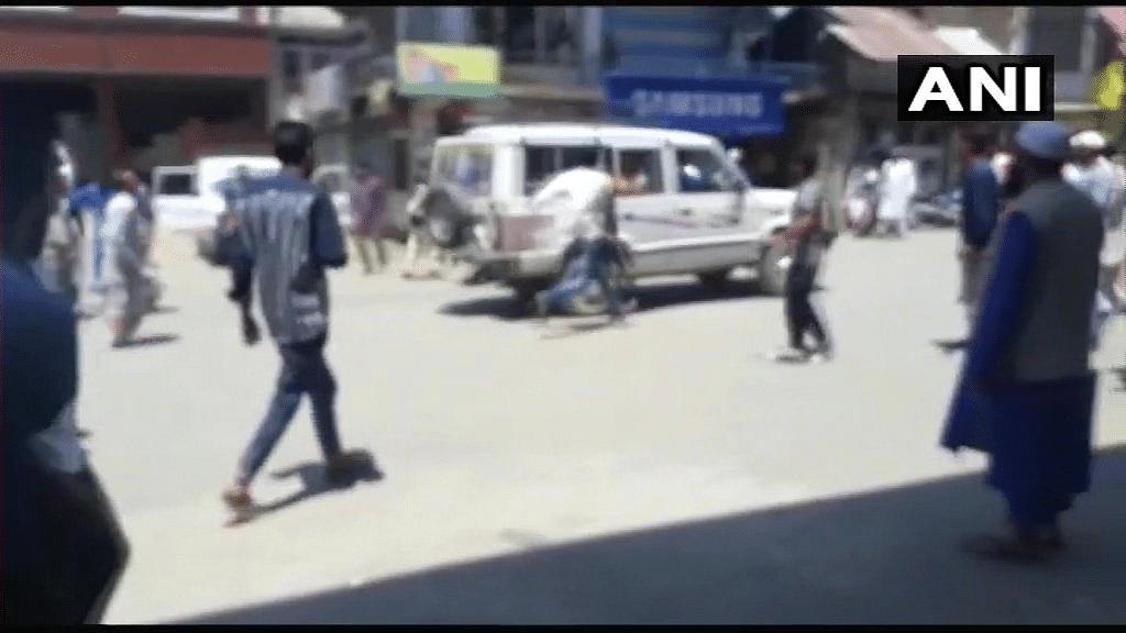 16 Injured in Grenade Attack in J&K's Shopian